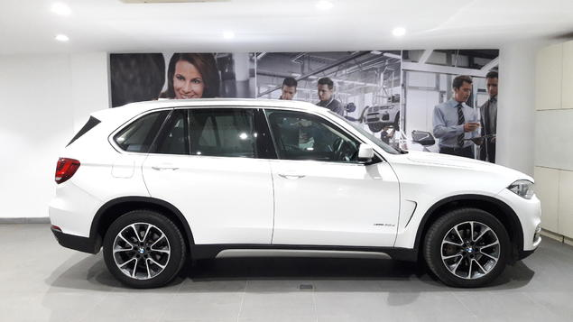 BMW X5 xDrive 30d Design Pure Experience 5 Seater