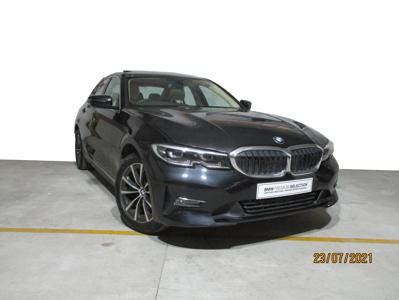 BMW 3 Series  (2021)
