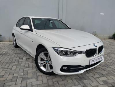 BMW 3 Series  (2017)